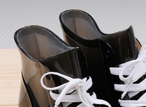 резиновая обувь на тканевой основе