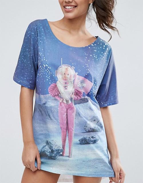 футболка женская принт барби на луне космос купить