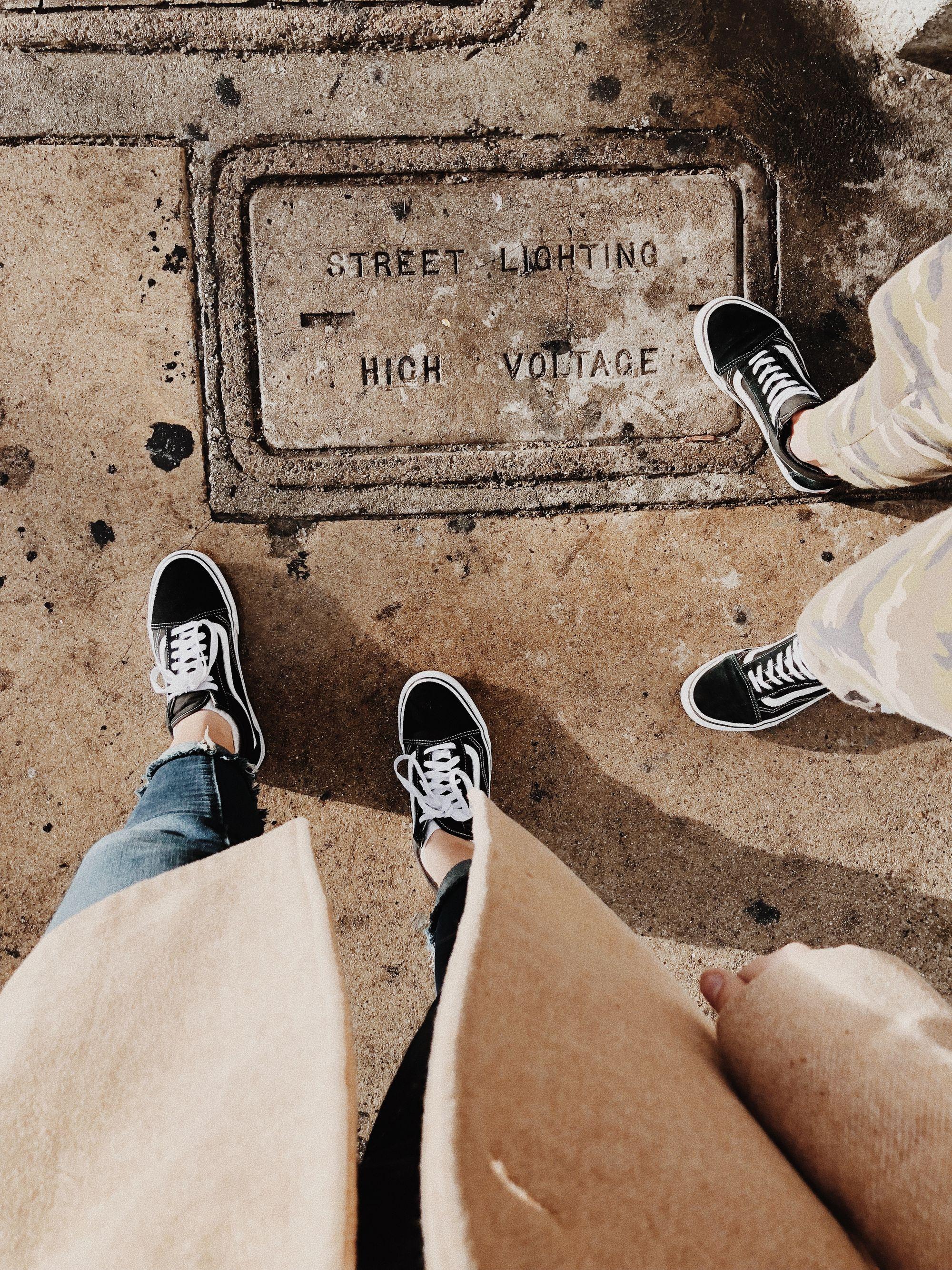 Нежные пяточки и городской туризм