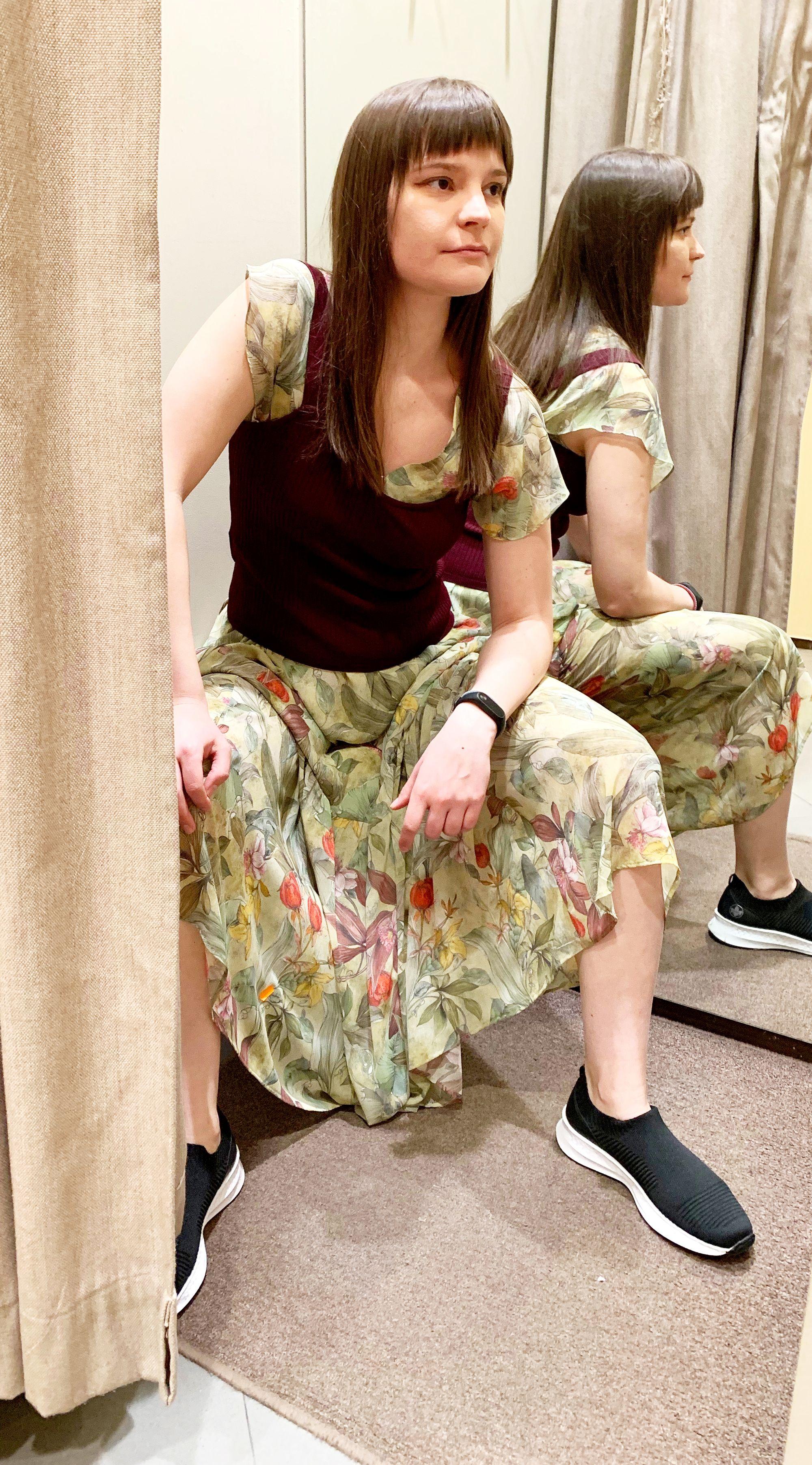 Вязанные кроссовки и обычная одежда