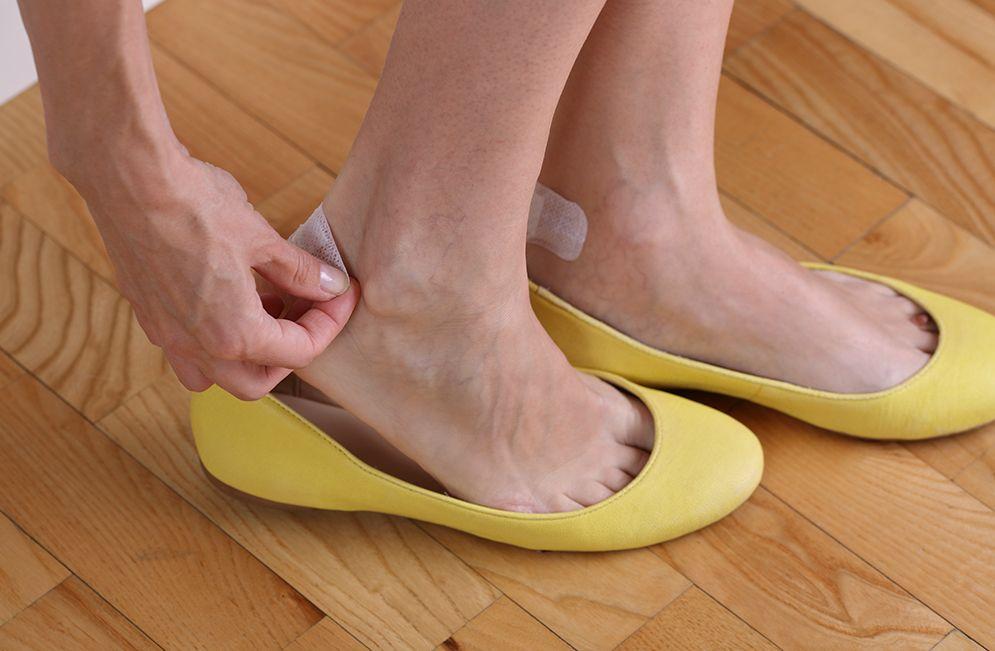 Летняя обувь трёт пятки. Что делать?
