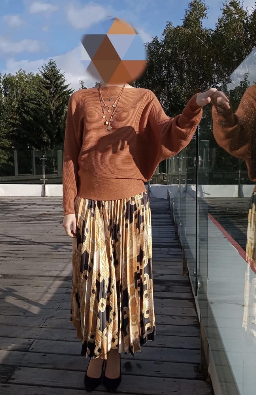 Вопрос стилисту: С чем носить плиссированную миди юбку?