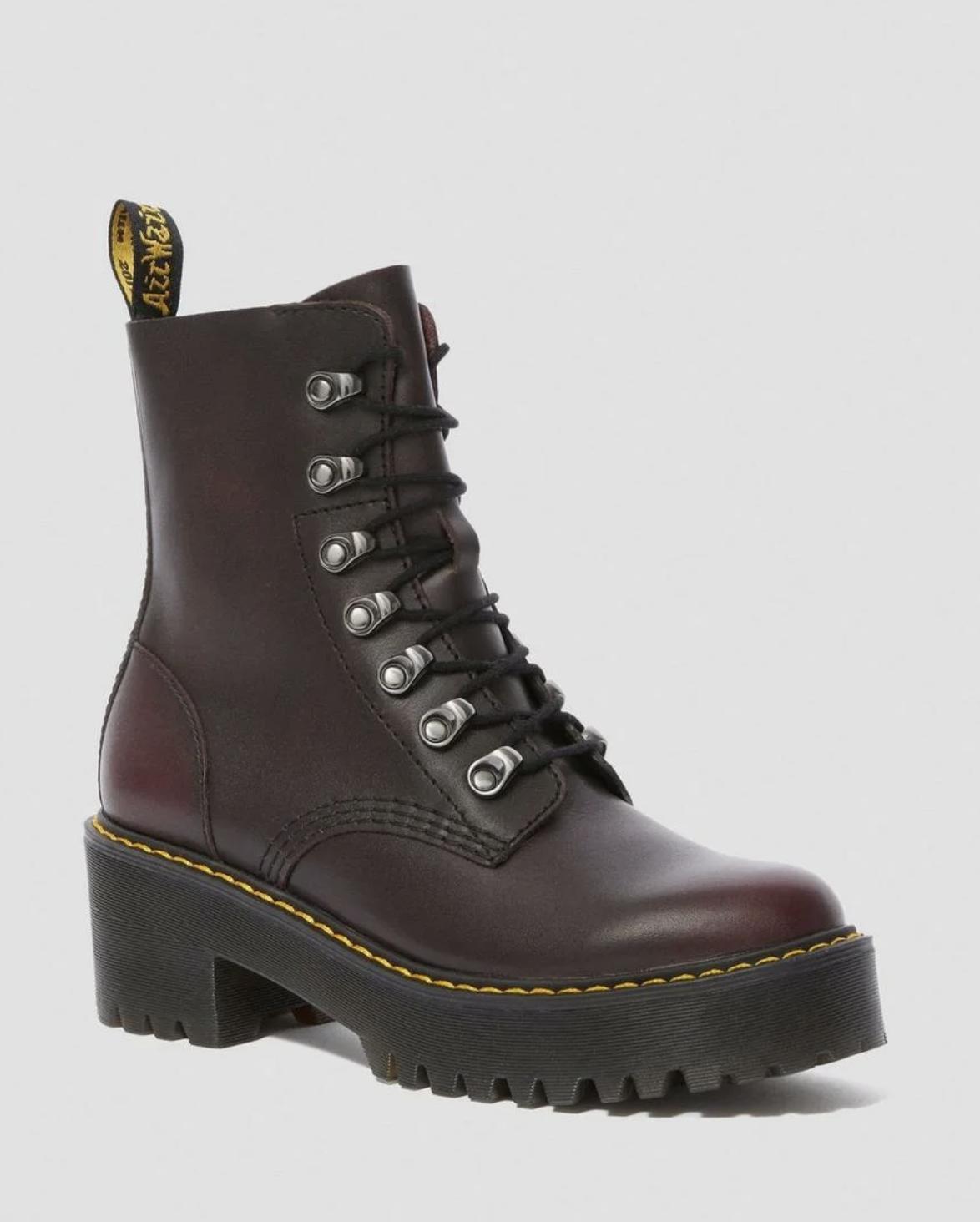 Вопрос стилисту: Ботинки слишком массивные, что делать?