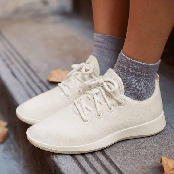 Идеальные кроссовки для полной стопы с мелкой пяткой